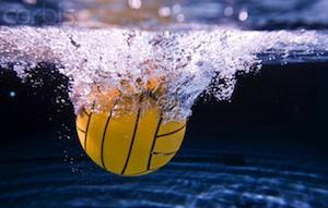 ball-under-water