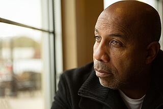 Troubled man in search of a dual diagnosis treatment center