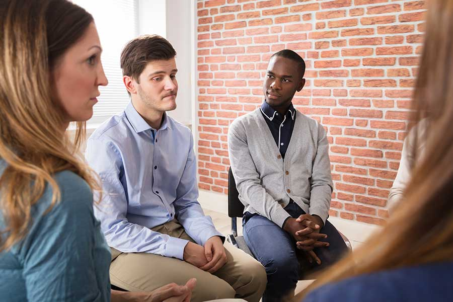 Group Therapy During Alcohol Addiction Rehab